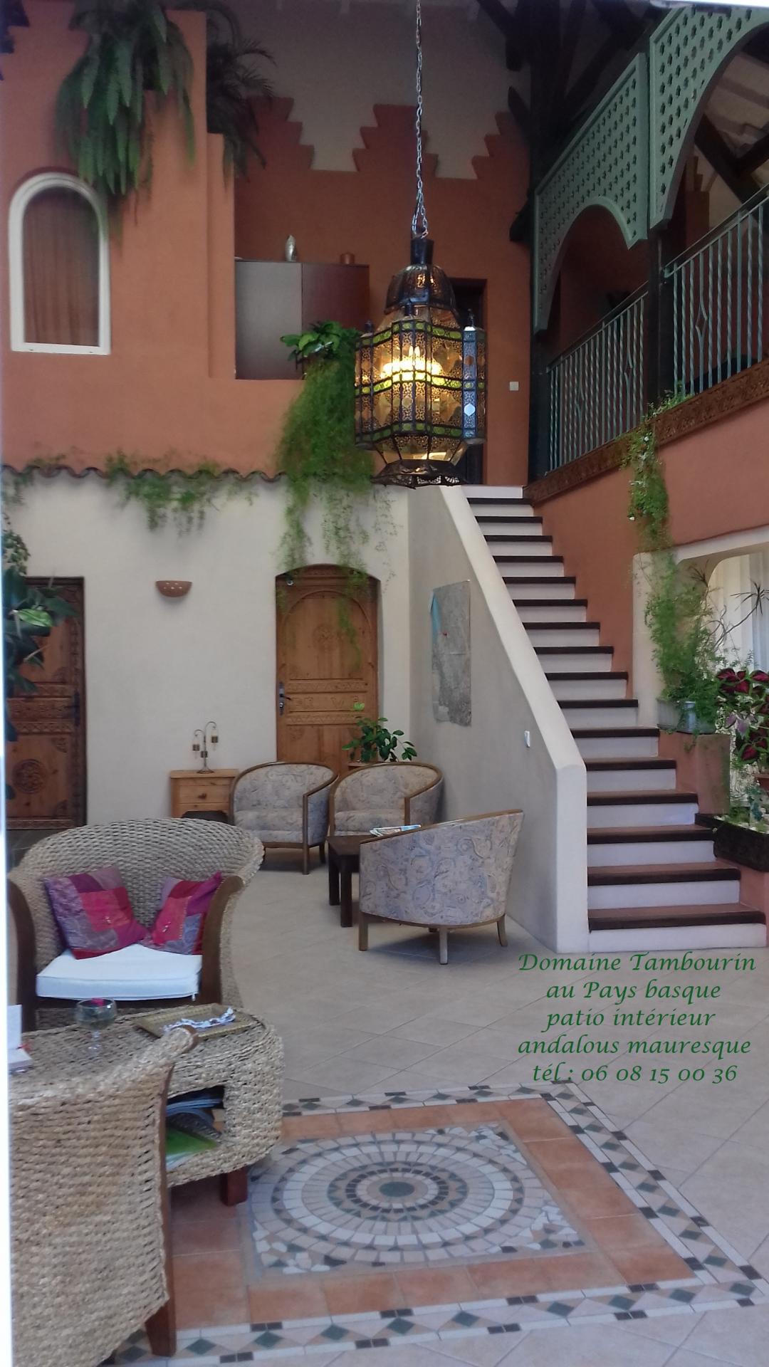 patio in D Tambourin 17 juin 18